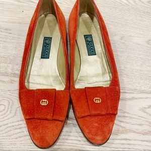 Vintage Gucci suede flats pointed toe